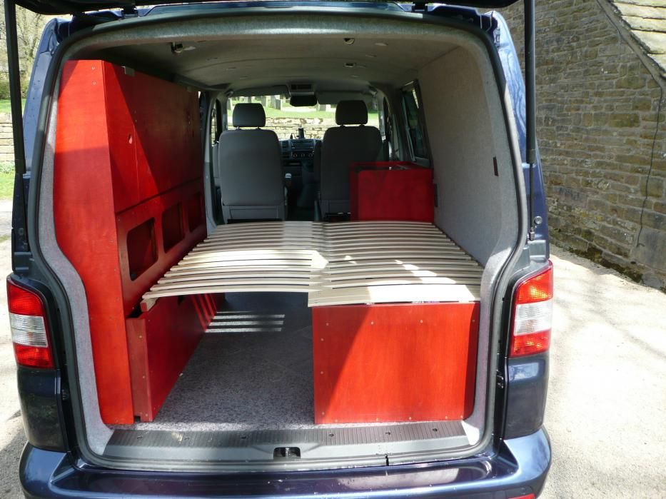 Vw Camper Uitschuifbaar.I Like How The Bed Opens And Is Supported By Opposite Wall