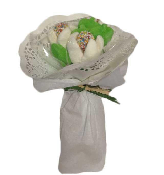 Detalles para bodas – Bouquet pequeño tulipanes  Realizado con golosinas y nubes de distintos sabores Medidas 25cm de alto x15 cm de ancho Peso aproximado 110grs Precio : 3.50 https://elmundodelaschuches.com/tienda/detalles-para-bautizos-bodas-y-comuniones/detalles-para-bodas/