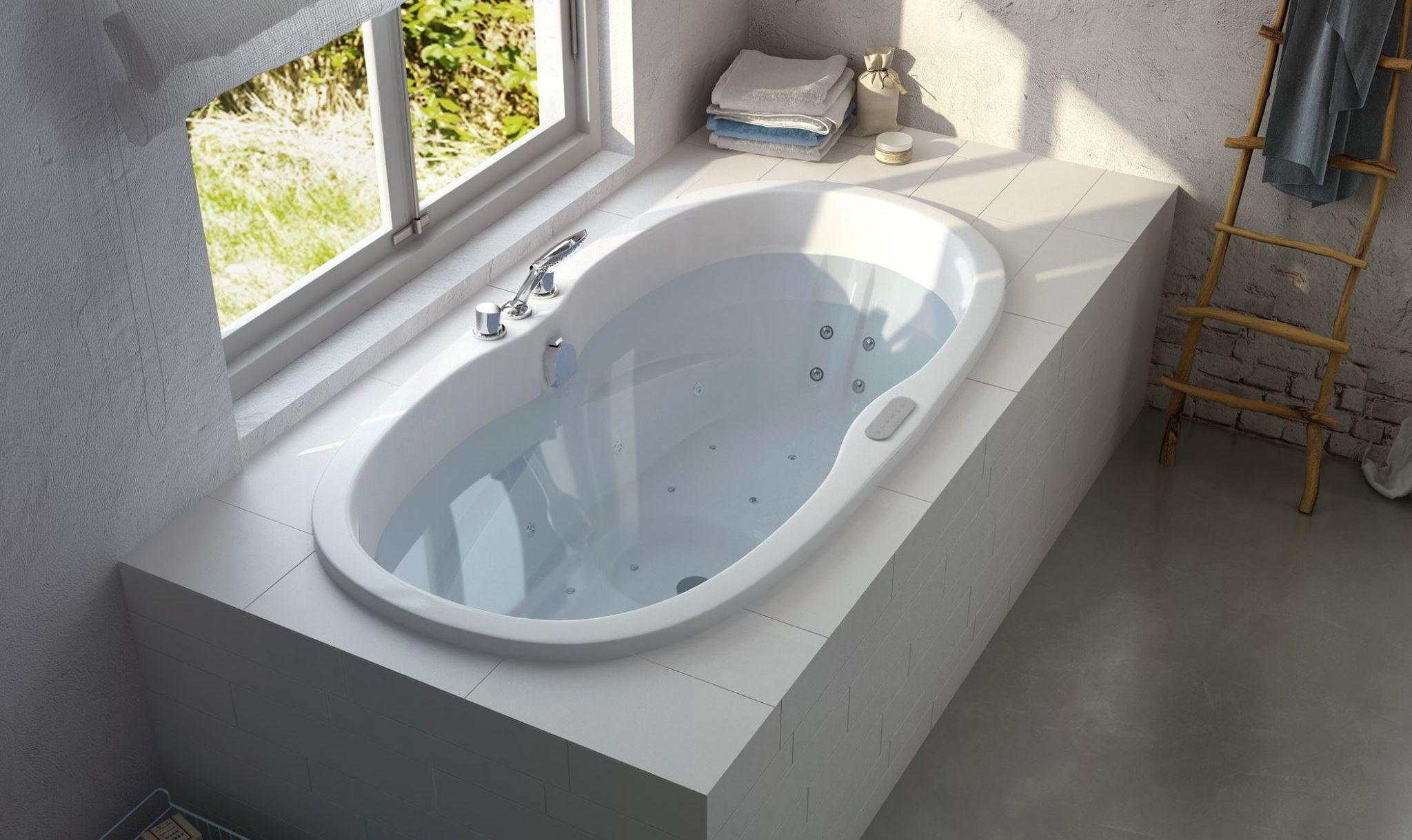 Bad met massagesystemen - whirlpool van Cleopatra | Baden vrijstaand ...