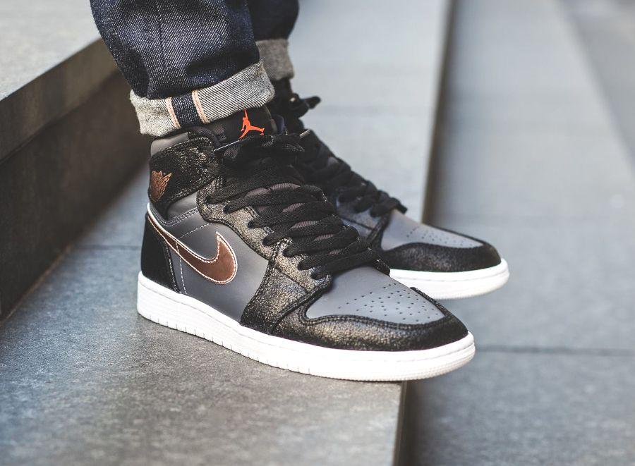 Nike Air Jordan Retro High 1 Bronze