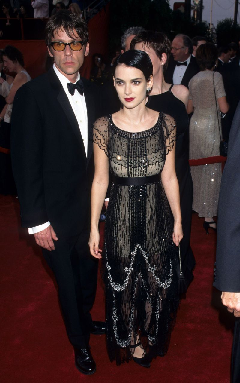 Here S What The Oscars Red Carpet Looked Like 20 Years Ago Red Carpet Looks Fashion Winona Ryder