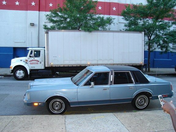 1988 Lincoln Town Car Same Color Blue As My Grandpa S Cool Cars
