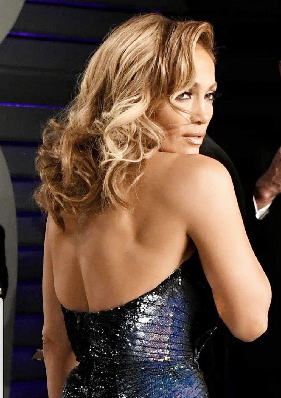 Jennifer Lopez on American Idol in a Ruffled One-Shoulder