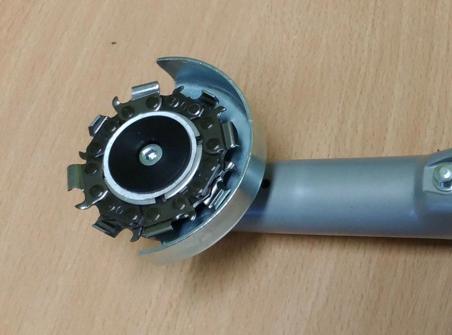 Disque à Sculpter Merlin 8 Dents Installé Sur Mini Meuleuse