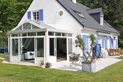Une #véranda qui se fond parfaitement avec la #maison !    wwwm
