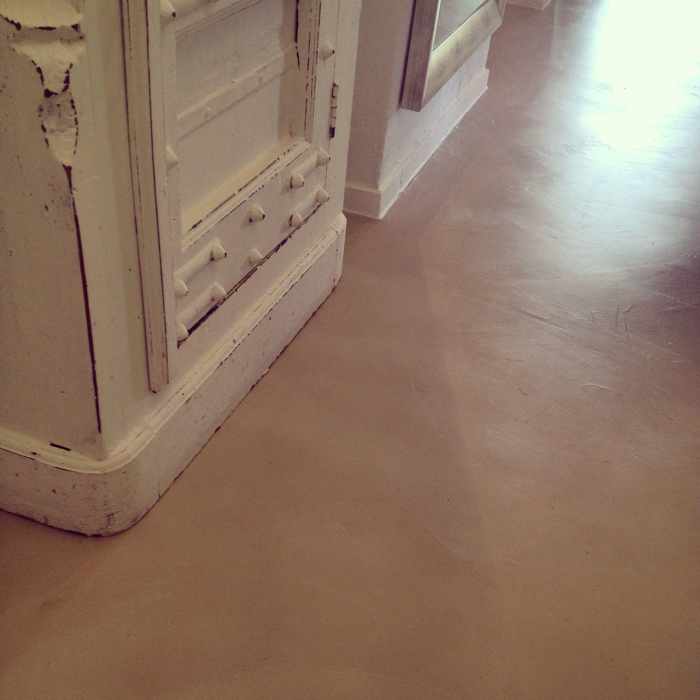 Fugenloser Boden fugenloser boden mit mikrozement sandgrau fugenlos