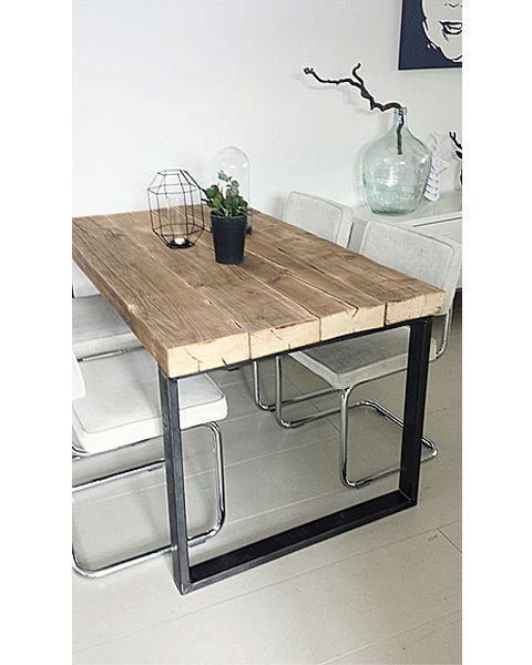 Eettafel Timber (oude balken met robuust stalen frame) | Eettafels & Bankjes | De Betoverde Zolder