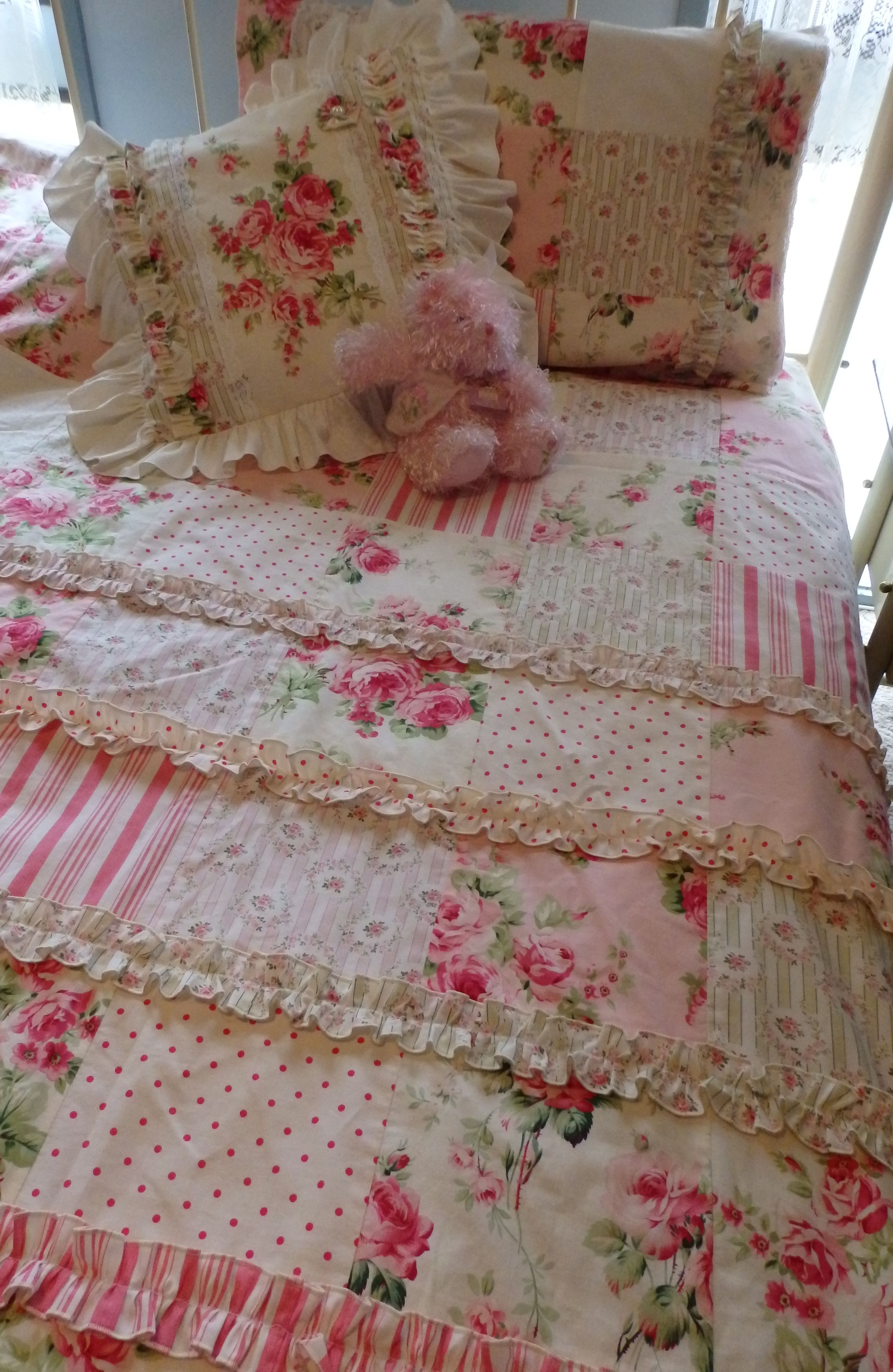 BAREFOOT ROSES Quilt Cover Doona Sets