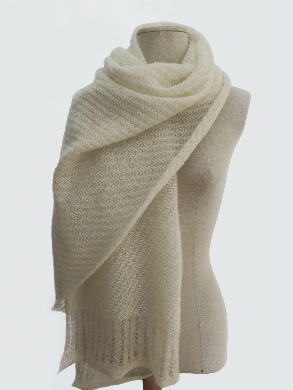 réflexions sur célèbre marque de designer les clients d'abord Echarpe étole en laine fine, tricot fantaisie, blanc cassé ...