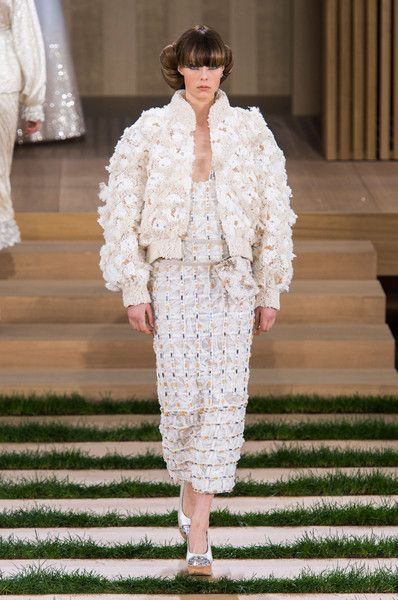 90d3e9a8ae0 Chanel at Couture Spring 2016 - Livingly