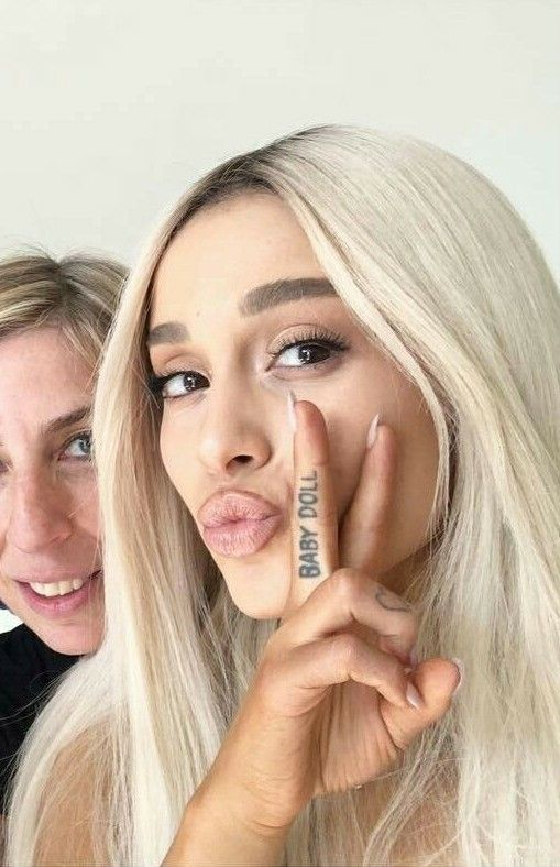 b2520c0860480 ✿ 𝚊𝚝𝚎𝚗𝚞𝚜 ✿ | tats | Ariana grande photos, Ariana grande tattoo, Ariana  grande