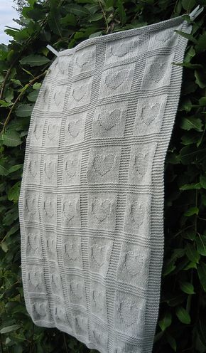 Baby blanket : ) Free knit pattern.I made this in green and it ...