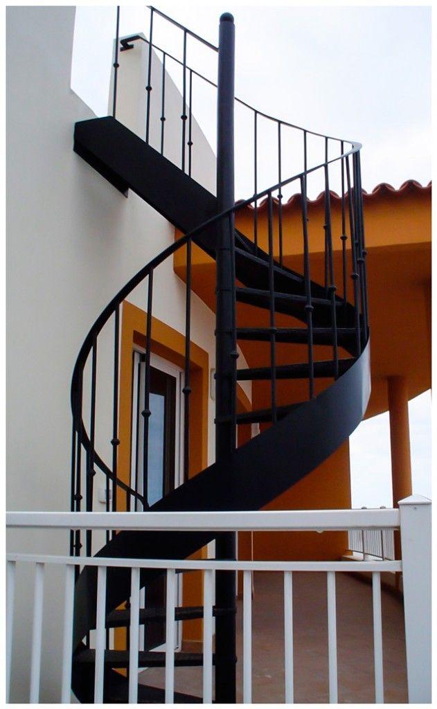 Escalera caracol exterior dise o y fabricaci n metal delgado escaleras met licas escalera - Escalera de caracol exterior ...