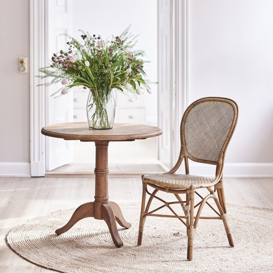 Scandinavian Style Furniture Meets Organic Bohemian In Texas Scandanaviandiningroom Scandanavianbedroom Scandanavianlivingroom Scandanaviankitchen Scandina