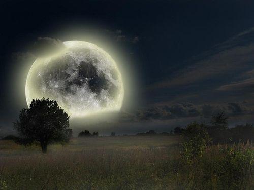 broody sky silvering moon, orb of dreams