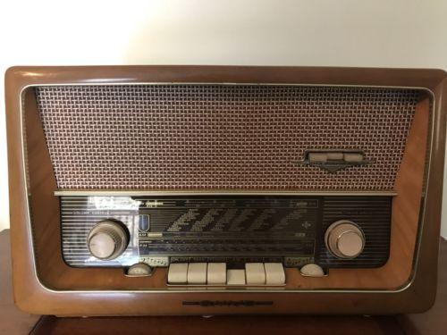 GermanvintagetubeshortwaveradioEmudRekordSenior60