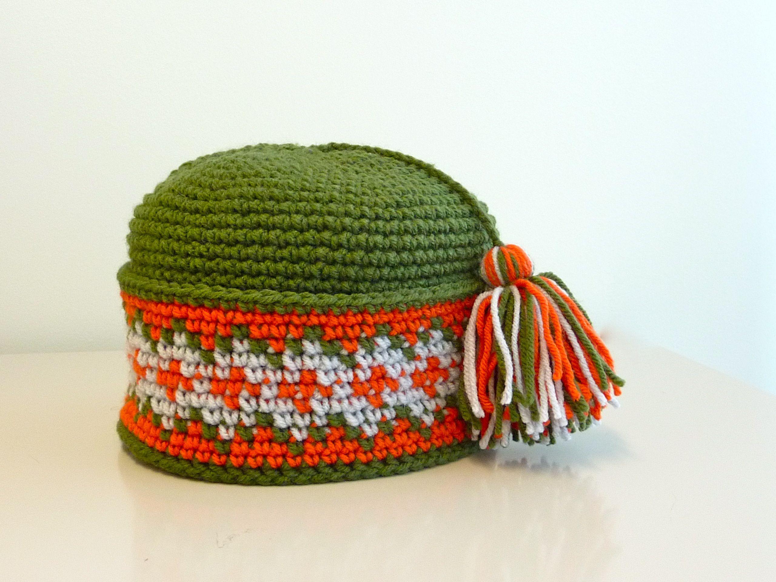Pang-style hat | tapestry crochet geometric, text | Pinterest