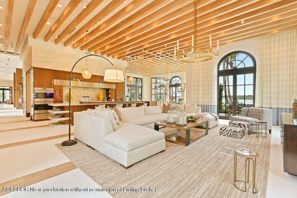 View 20 photos of this $39,500,000, 5 bed, 6.0 bath, 14704 sqft single family home located at 1330 S Ocean Blvd, Palm Beach, FL 33480 built in 2016. MLS # 16-2517.
