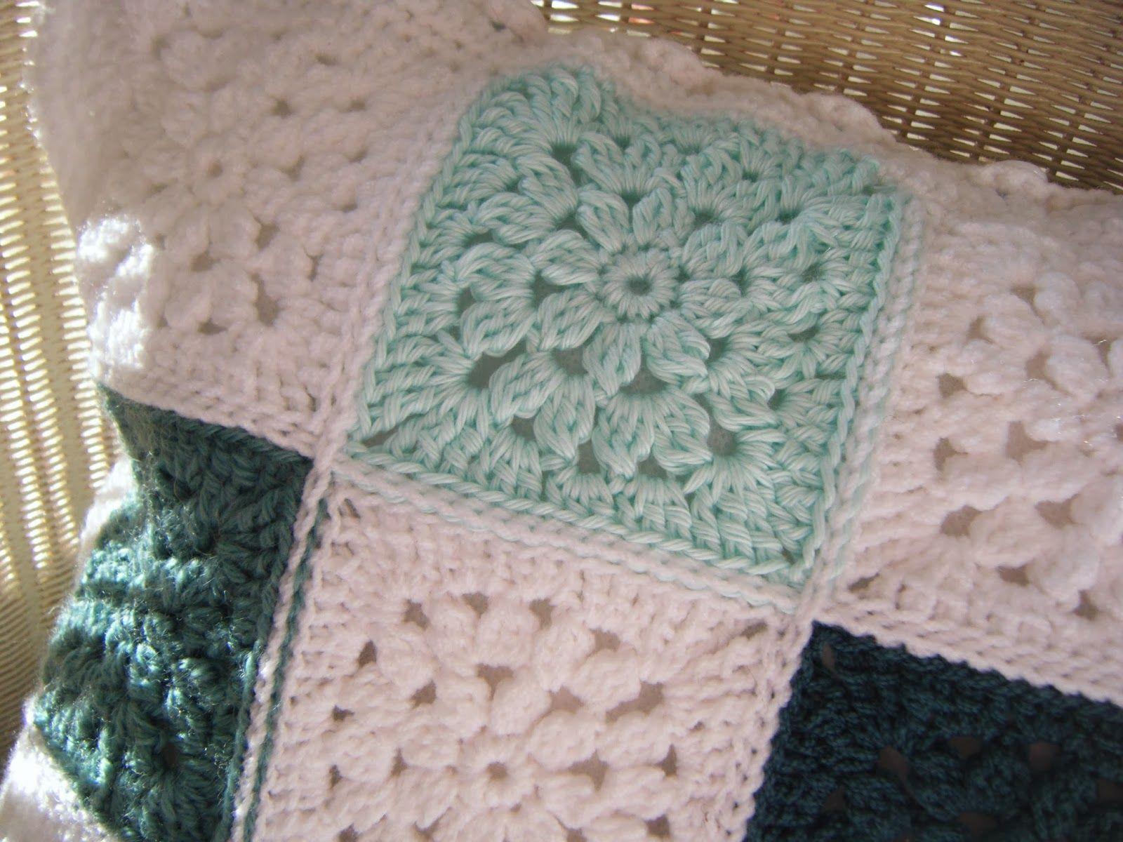 Pretty Flower Granny Square (Betsy Makes ....) | Crochet I ...