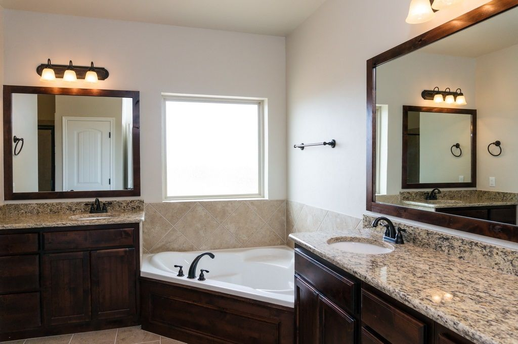 New Home In Yukon Sundance Ridge Master Bathroom Granite Counter Tops Custom Cabinetry