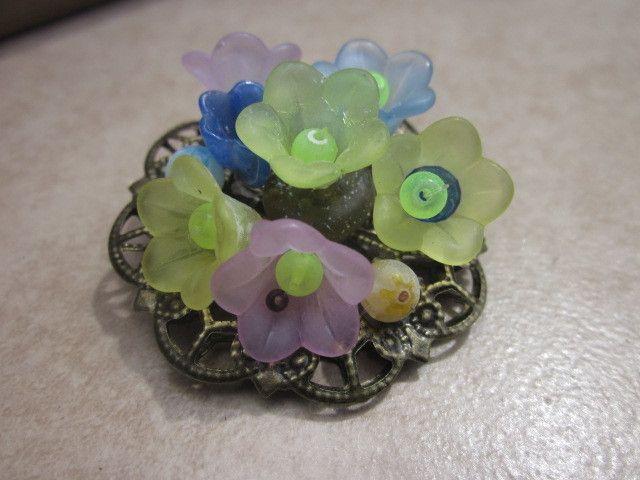 Brooch Flower £7.00
