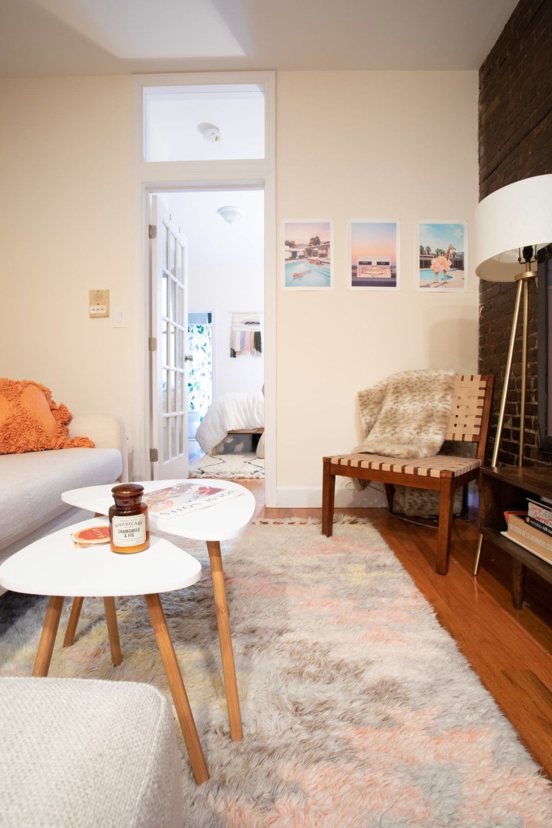 Roommates Decorated This Apartment With Lots of Craigslist