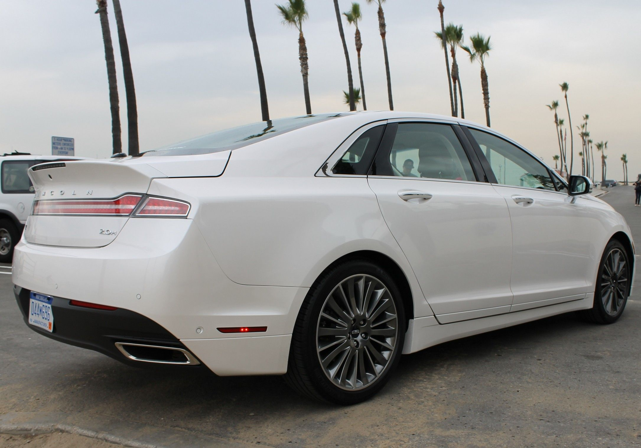 2013 Lincoln Mkz Hybrid White Lincoln Mkz Lincoln Cars Lincoln