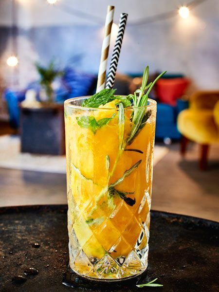 Geeister Mango-Gin mit Ginger Beer #alcoholicpartydrinks