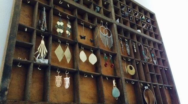 diy mon ancien tiroir a imprimerie transform en porte bijoux des id es pinterest. Black Bedroom Furniture Sets. Home Design Ideas