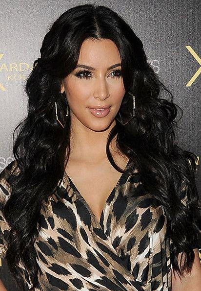 Kim Kardashian Long Curls Kim Kardashian Hair Long Hair Styles Hair Styles