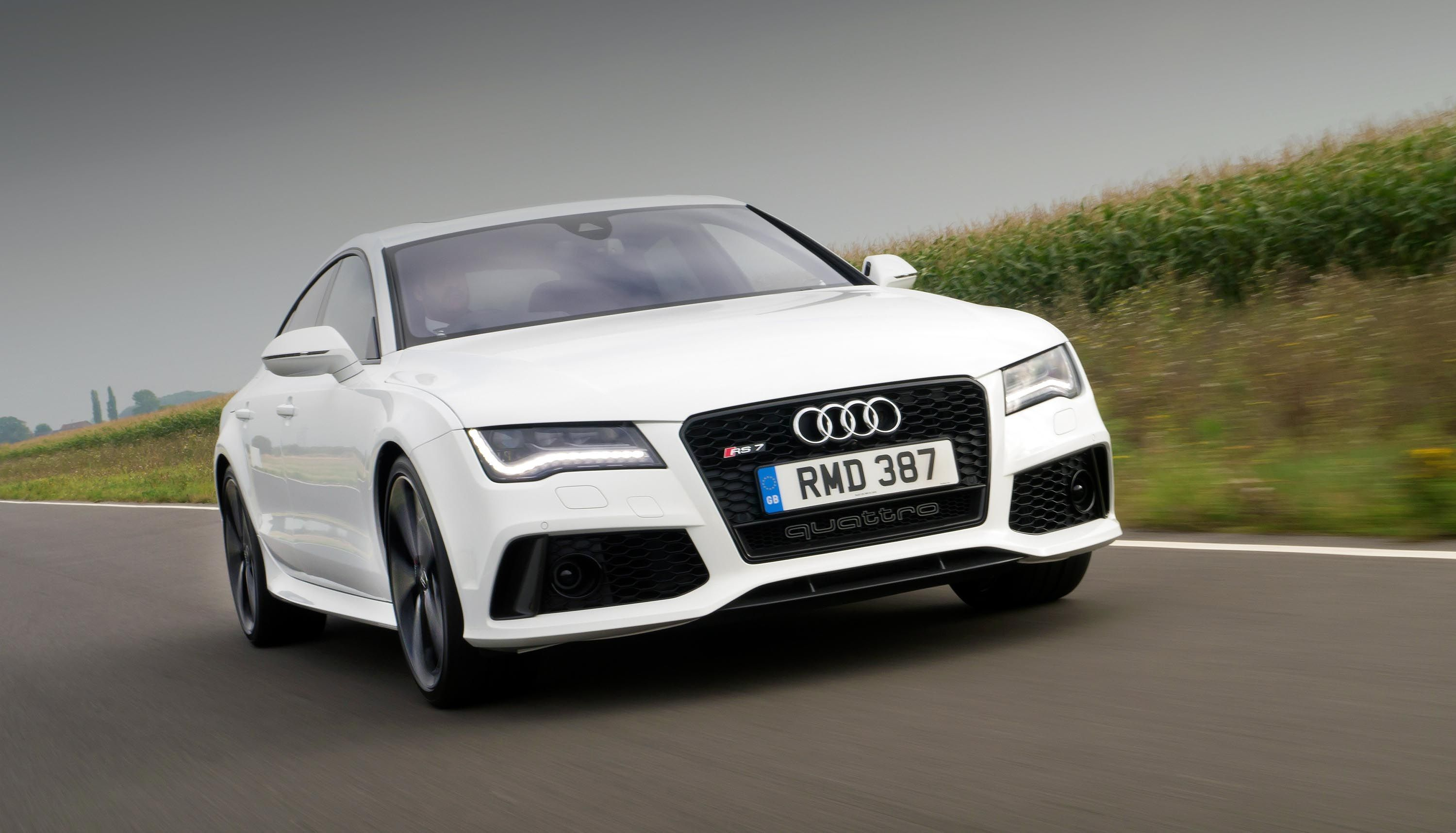 We drive the awesome new Audi RS7 560bhp, 700Nm of