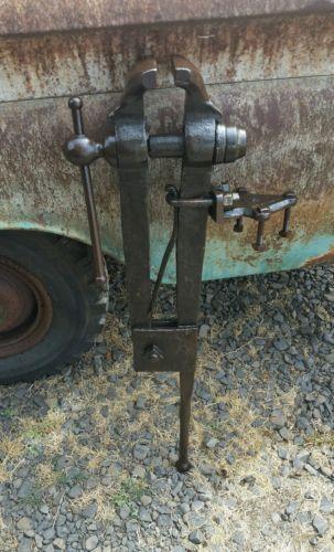 Columbian Blacksmith Post Leg Vise Vice