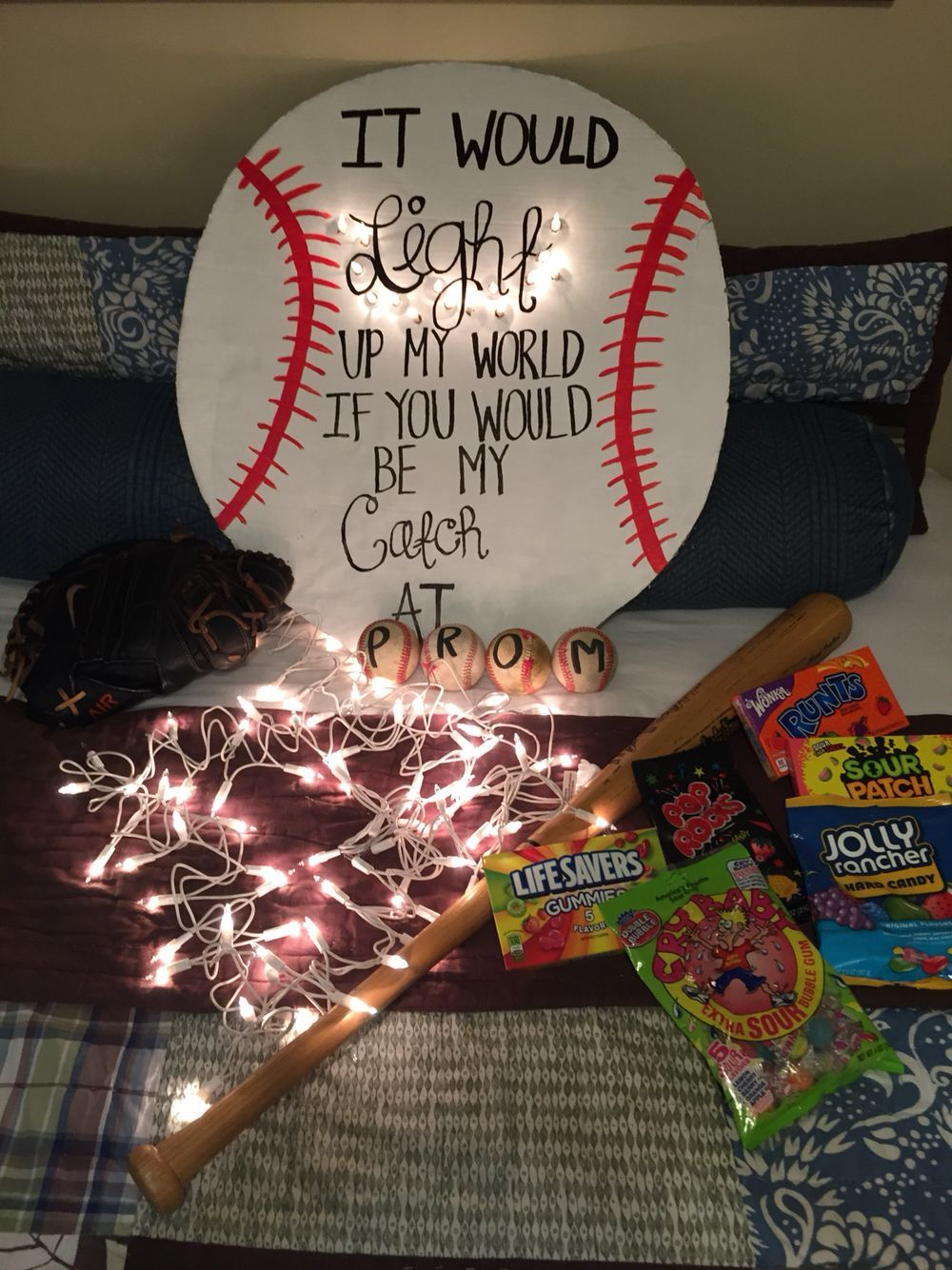 Promposal Ideas Cute Ways To Ask Someone To Homecoming Or Prom Homecoming Proposal Cute Prom Proposals Cute Homecoming Proposals