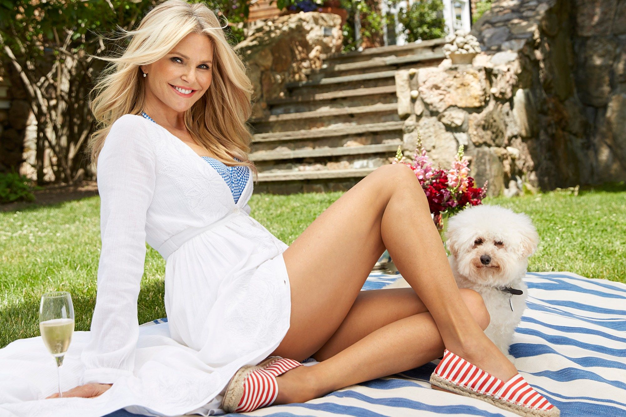 christie brinkleys hamptons house go here people tour of her house - Tour Of The Hamptons