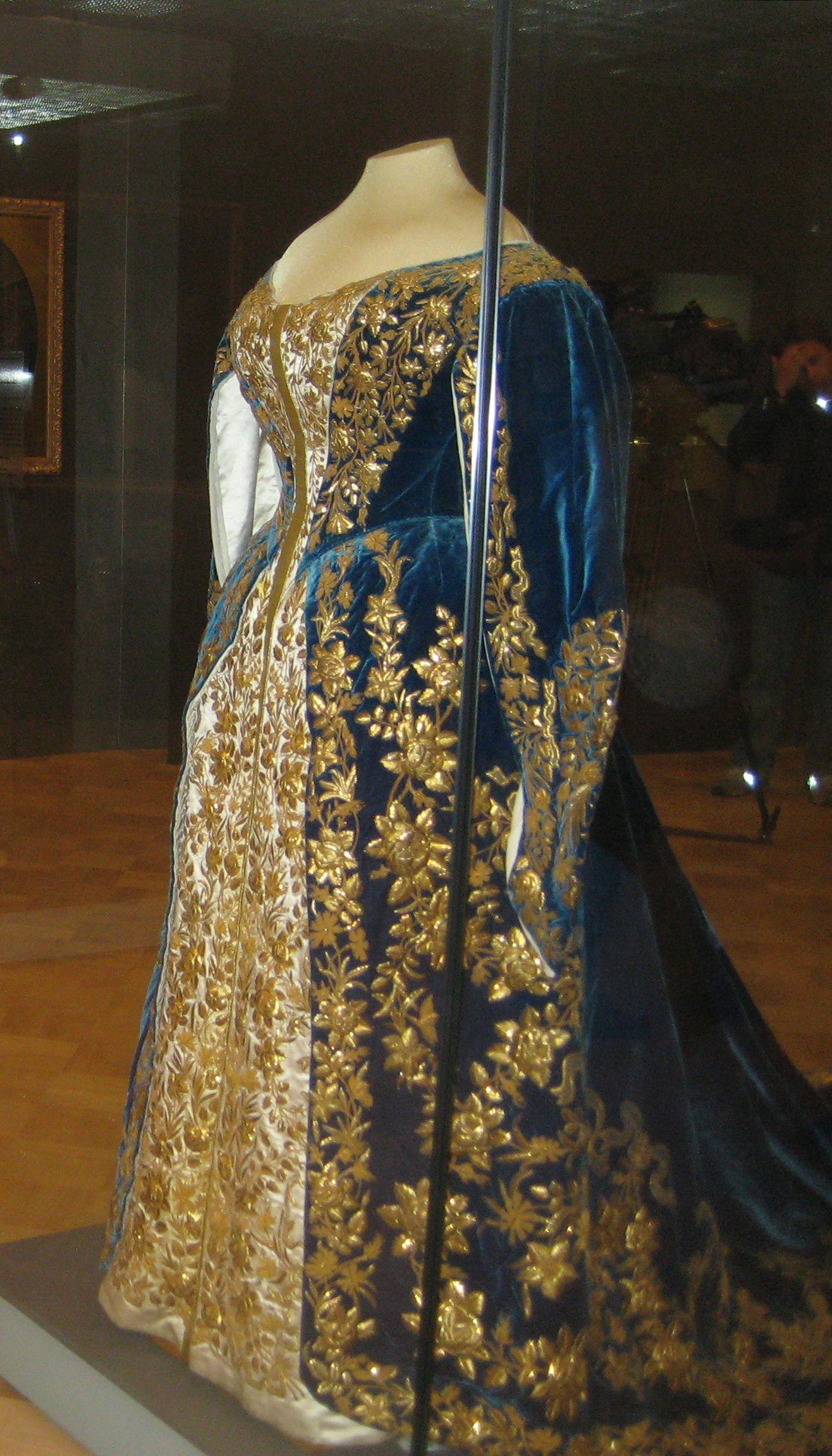 Empress Alexandra Feodorovna Court Dress   Clothing of the ... Alexandra Romanov Wedding Dress