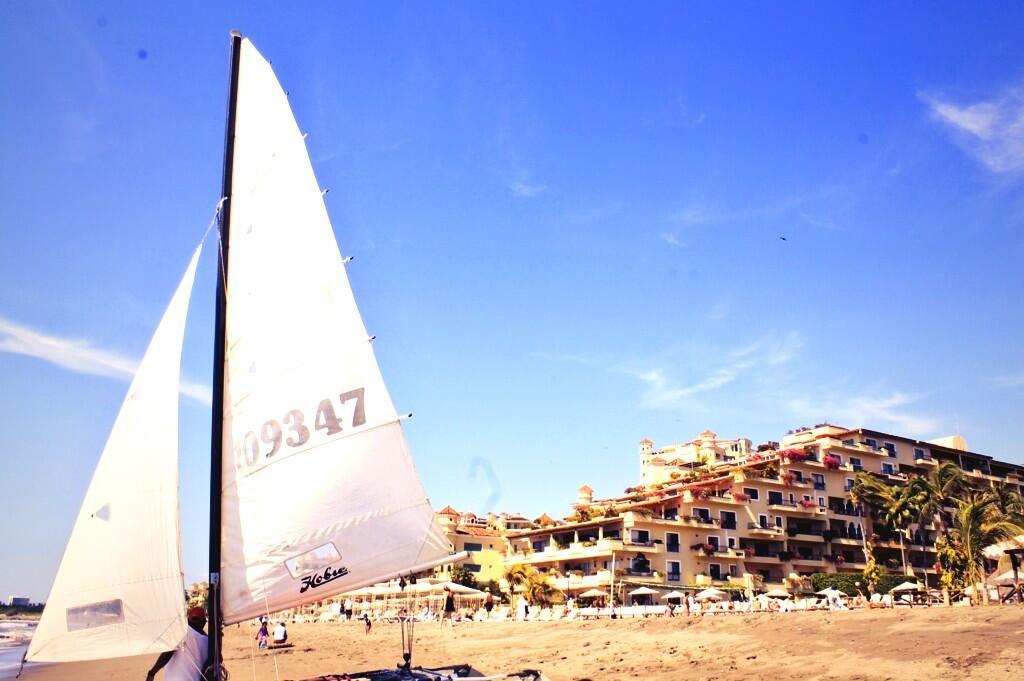 Желаем вам счастливой пятницы из Пуэрто-Вальярта! В отеле Велас Вальярта веселье никогда не кончается!