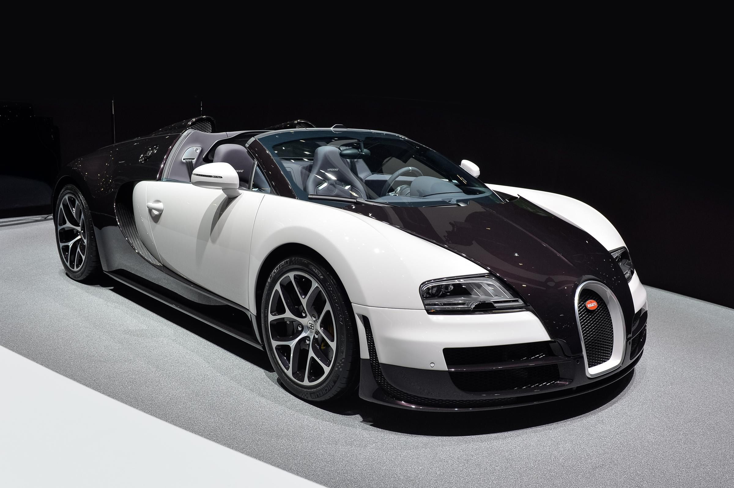 Bugatti Vitesse In Black And White!