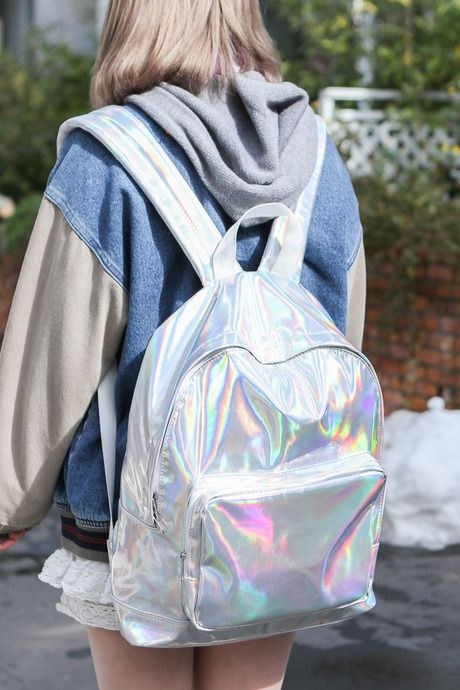 i want this backpack for when school starts back   (   Holographics ... 165330134f