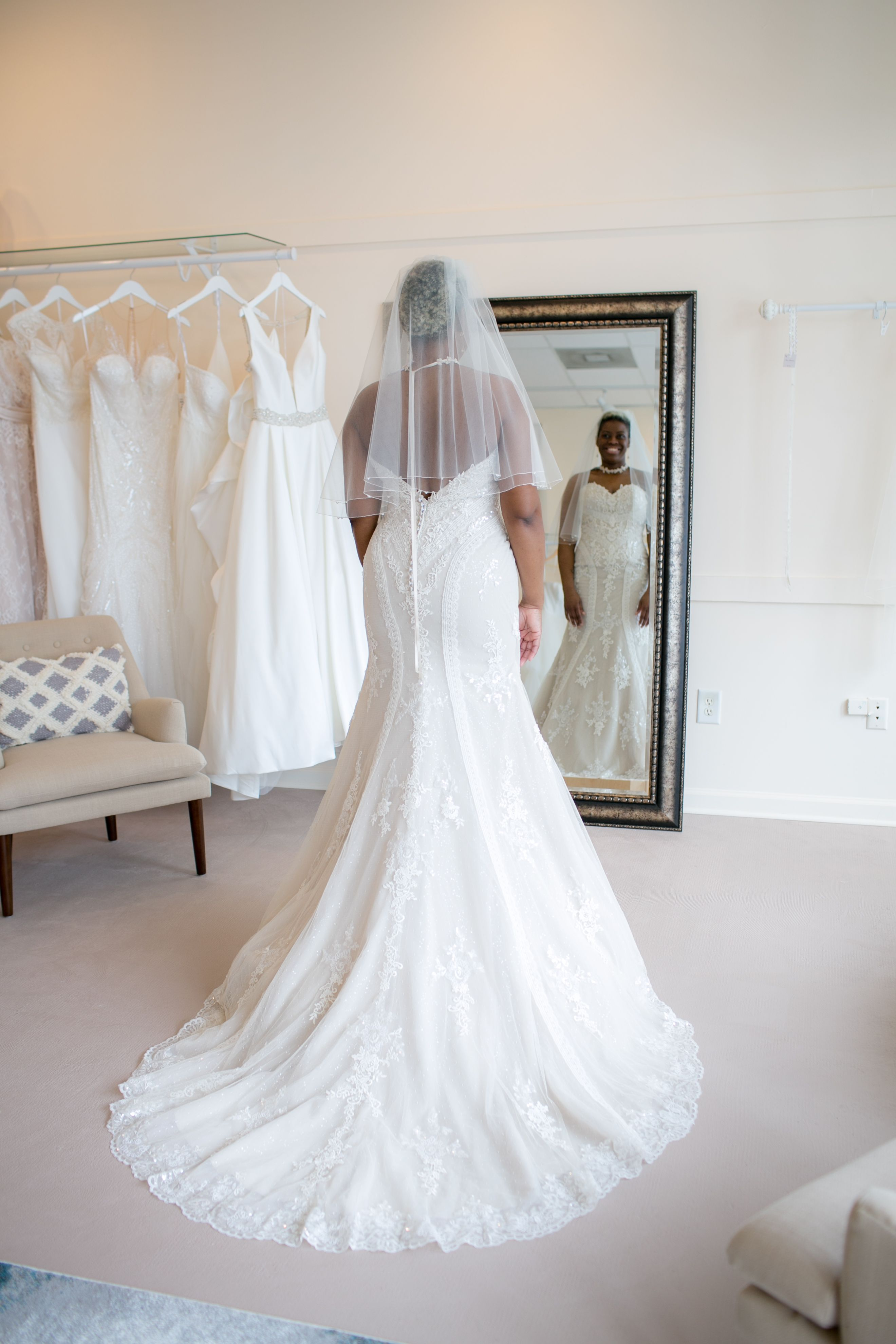 At The End Of The Day It S The Bride Who Makes The Dress Not The Other Way Around Kang Chun Lin Designer Happy Dresses Wedding Dresses National Dress,Beach Flowy Sleeveless Beach Flowy Wedding Dresses