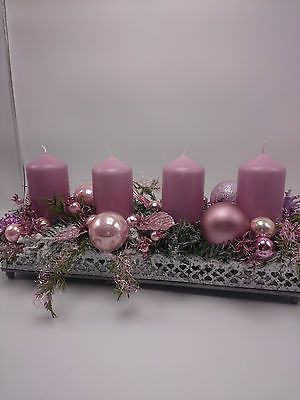 Adventsgesteck, Weihnachtsgesteck, Tischschmuck, Kugeln Blätter, rosa, grün #rustikaleweihnachtentischdeko
