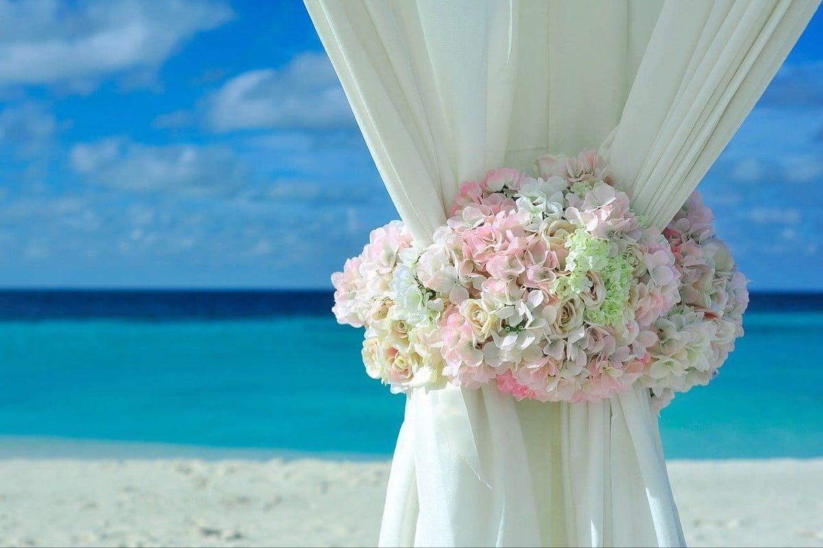 Heiraten Im Ausland Das Mussen Sie Beachten Braut Boutique Hochzeit Heiraten Im Ausland Sommerhochzeit