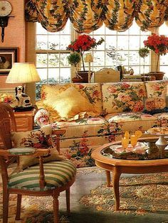 French Style Wallpaper With Chicken French Chair And