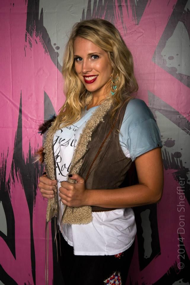 The gorgeous Ashley Rodgers wearing OG BETTY Gypsies Roll hand dyed ombre tee  Photo: Don Sheffler available at www.pinkwidowdistribution.com