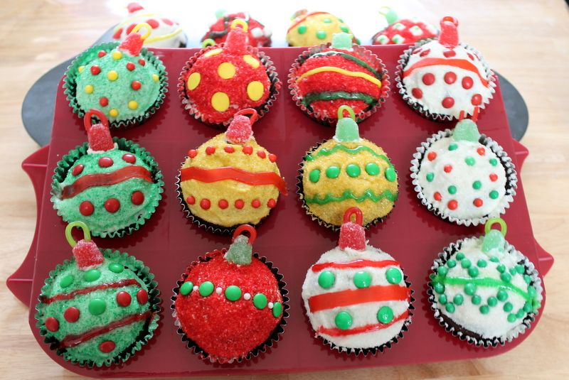 Marvelous Holiday Cupcakes Decorating Ideas Part - 10: Cute As A Fox: Christmas Ornament Cupcakes