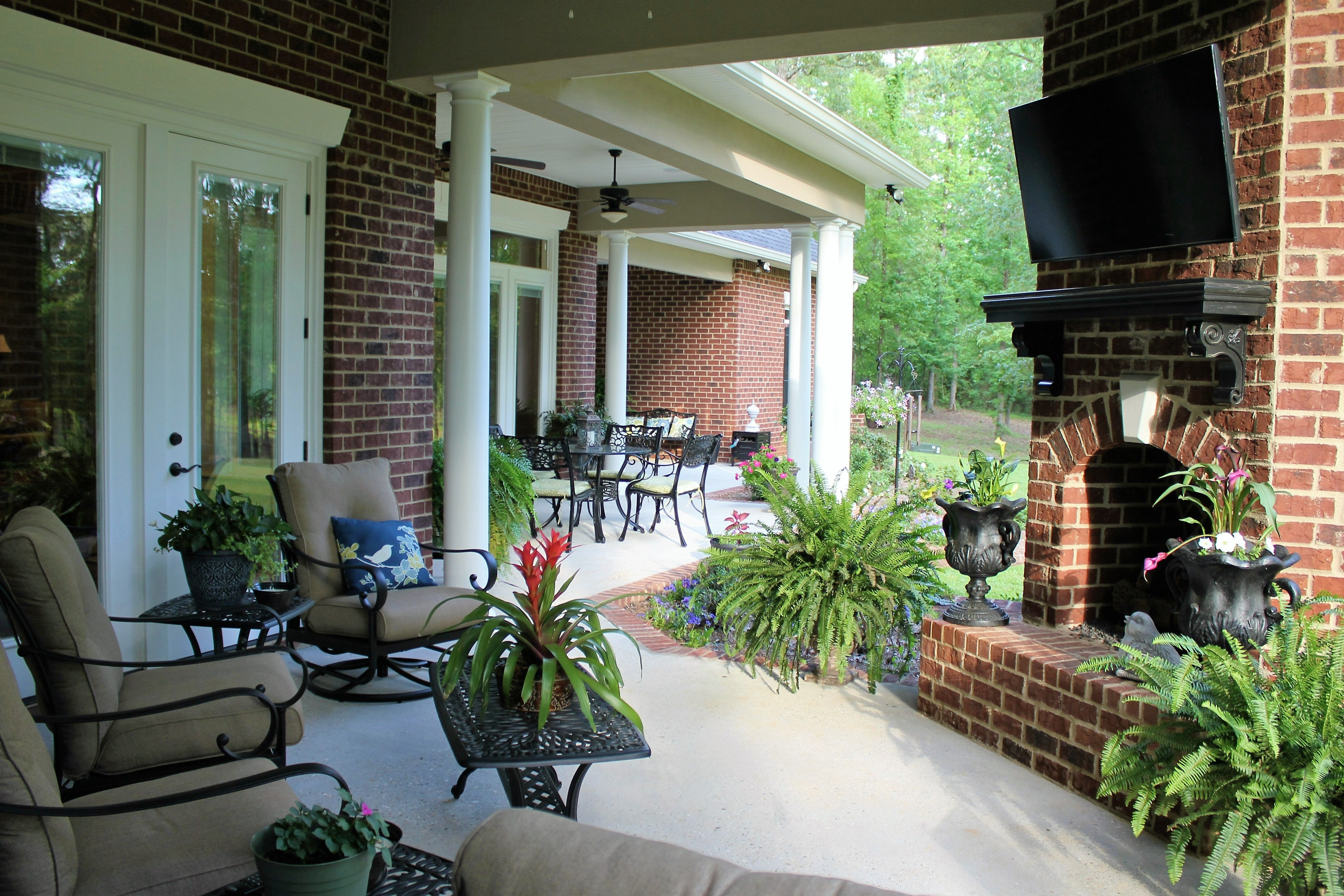 Indoor Outdoor Living Custom Home By Larry James House Blueprints Custom Home Plans House Plans