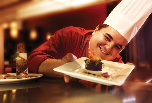 Chef Yan Garzon, québécois et marocain d'origine, fusionne les saveurs pour créer une cuisine actualisée, goûteuse et réconfortante.