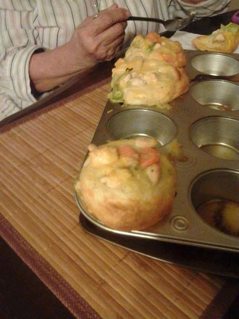 Nice food for every days : Chicken Pot Pie Puffs