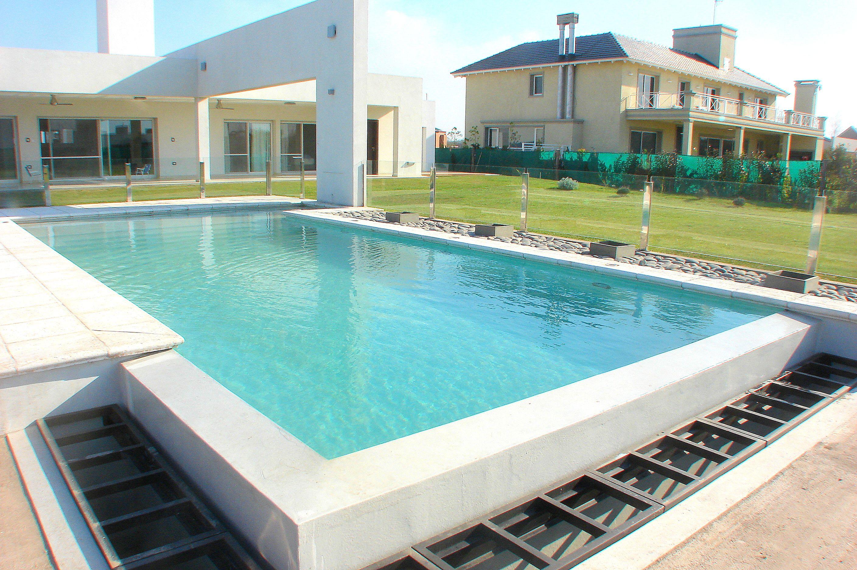 Piscinas sol rium h medo dise o personalizado wellnes arquitectura piscinas scualo - Diseno de piscinas ...