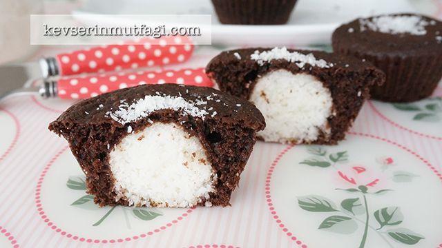 Hindistan Cevizli Sürpriz Muffin Tarifi