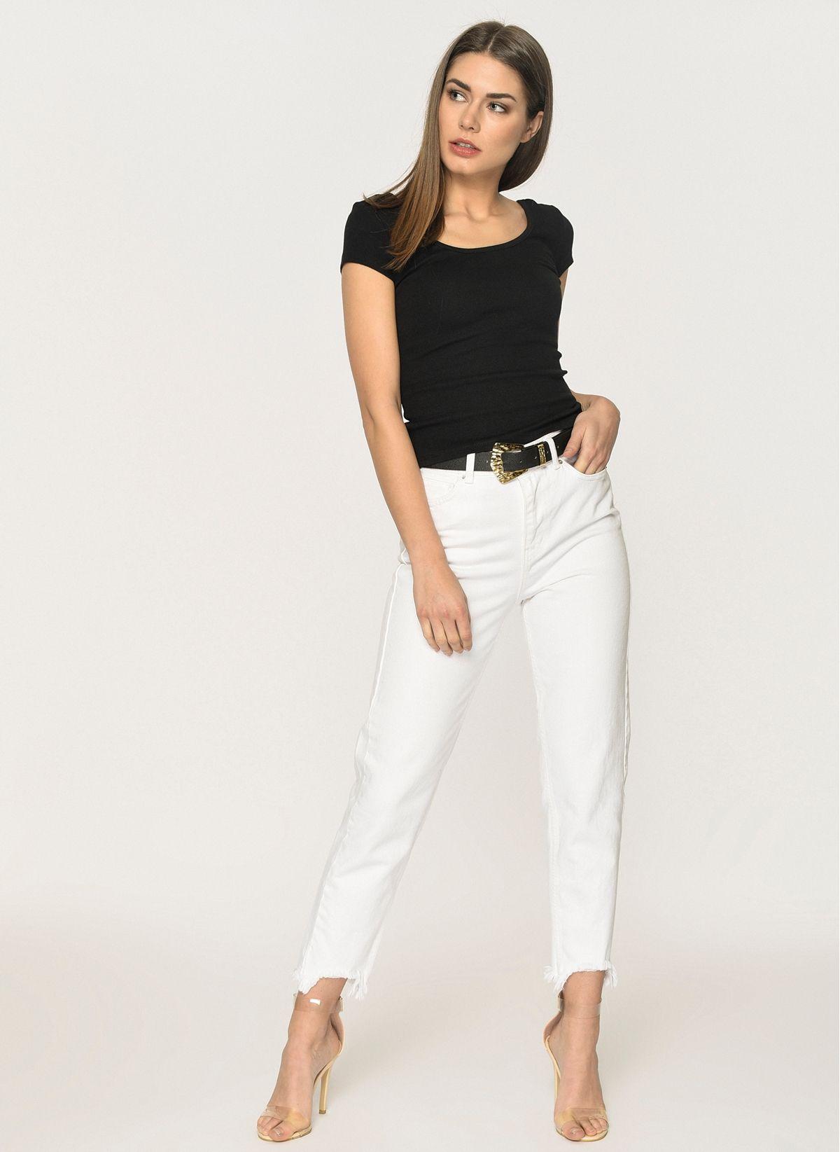 Beyaz Gomlek Ve Mom Jeans Pantolon Kombini Pantolon Gomlek Model
